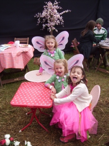 Fairies at the larval stage... read on